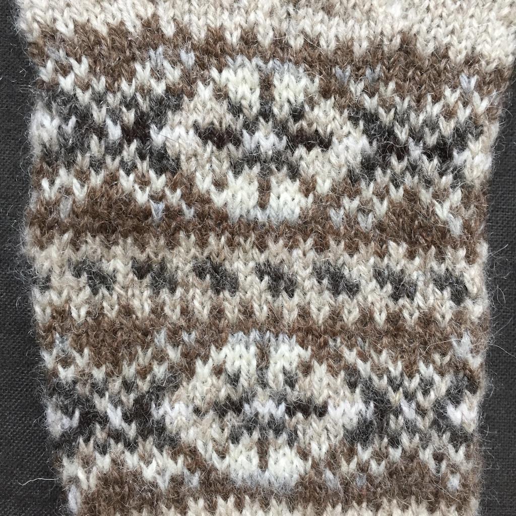 Mismatched Shetland Mitts_Detail_1.jpg